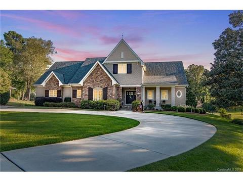 3617 Golfview Dr, Gastonia, NC 28056