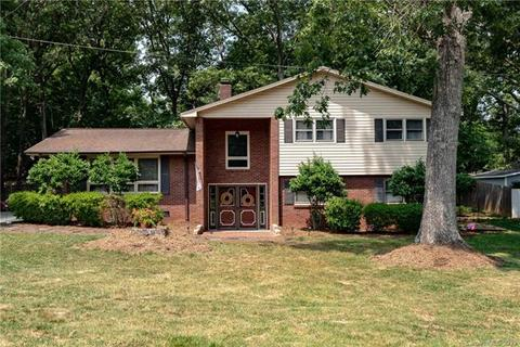 1625 26th St, Hickory, NC 28601