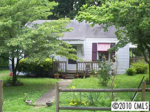 418 Iverson Way, Charlotte, NC