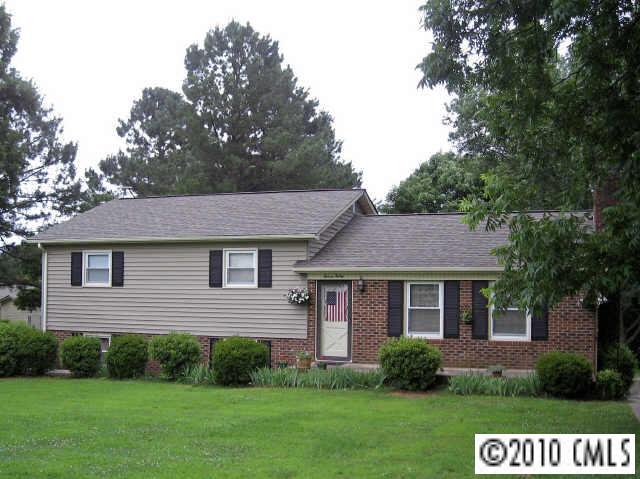1130 E Cannon Ave, Albemarle, NC