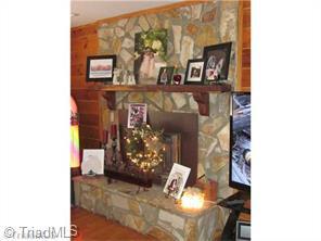398 Cook Florist Rd, Reidsville NC 27320