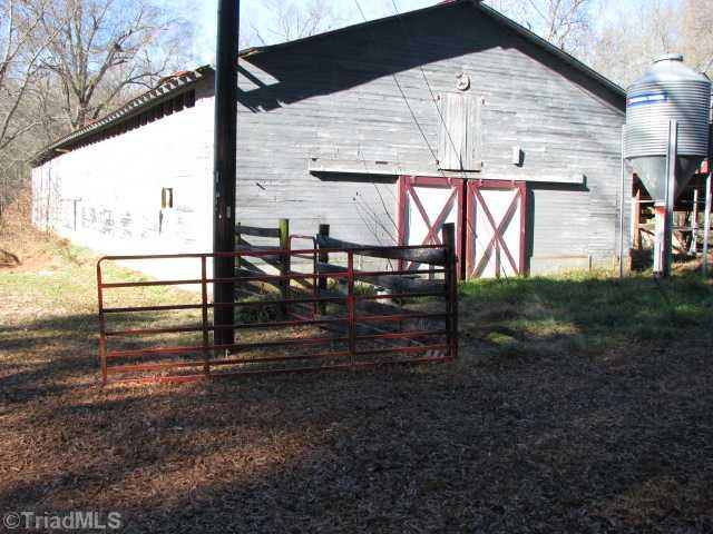 2548 Brook Cove Road, Walnut Cove, NC 27052