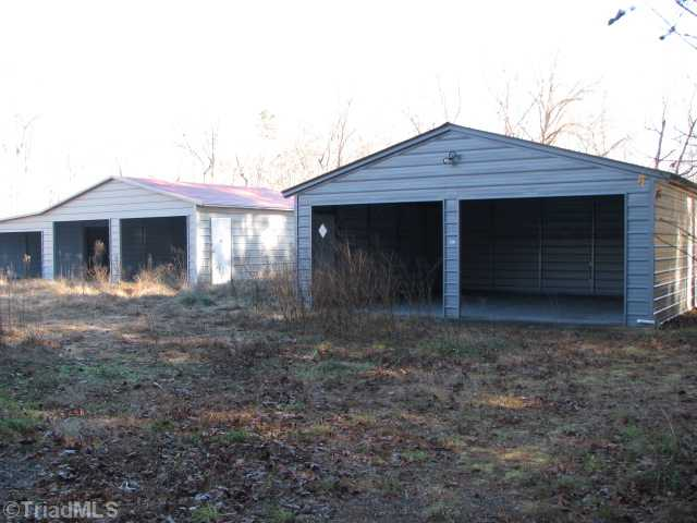 2548 Brook Cove Rd, Walnut Cove NC 27052