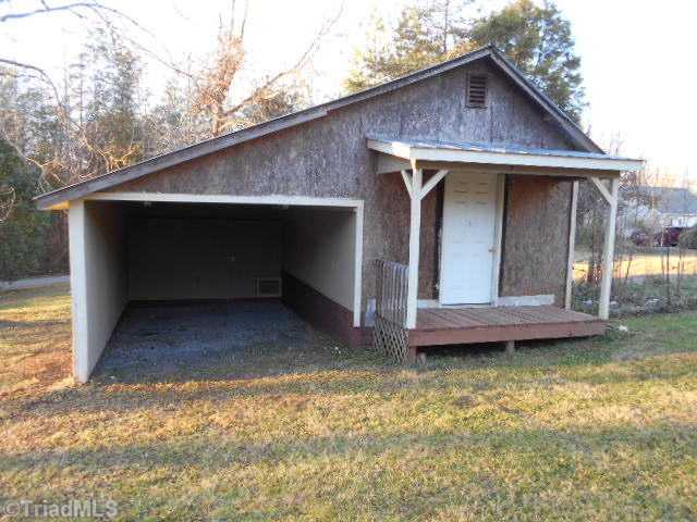 1363 Steele St, Ramseur NC 27316