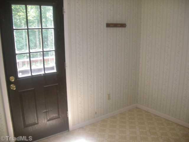 501 Honeysuckle Rd, Madison NC 27025
