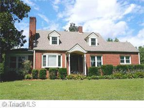 2795 Old Westfield Rd, Pilot Mountain, NC