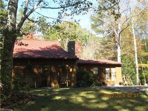 1600 Log Cabin Ln, East Bend, NC