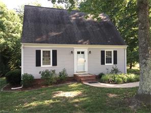 307 Oakwood Cir, Lexington, NC