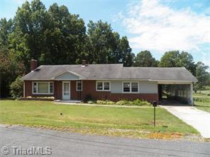 215 School Dr, Thomasville, NC