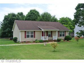 419 E Lake Dr Mocksville, NC 27028