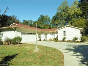1013 Branchwood Dr, Kernersville, NC