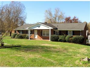 370 Farmbrooke Ln, Winston Salem, NC