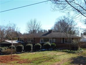 6721 Forsythia Dr, Greensboro, NC