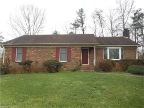 1814 Rivertrace Pt, High Point, NC
