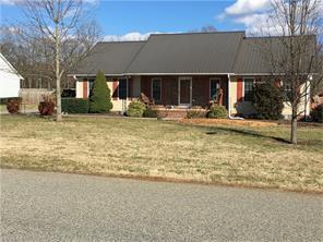 209 Charleston Ridge Dr, Mocksville NC 27028