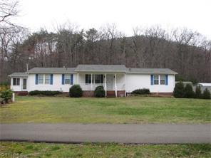 388 Davis Rd, Mount Airy, NC
