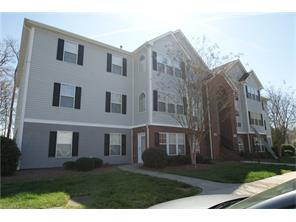 3700 Cotswold Ter #APT 2A, Greensboro, NC
