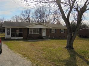 2539 Hilldale Dr, Burlington NC 27215