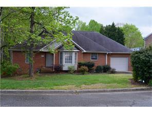 1109 Foxfire Dr, Greensboro NC 27410