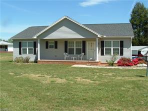 8301 Lakedale Cir, Colfax, NC