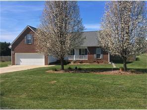 185 Cedarwood Pl, Mocksville NC 27028