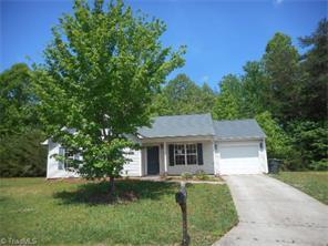215 Kinnley Ct, Greensboro NC 27455