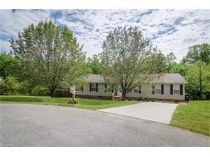 5609 Bridletree Ct, Mc Leansville, NC