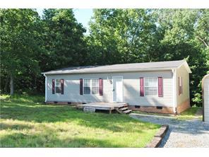 121 Waters Edge Trl Mocksville, NC 27028