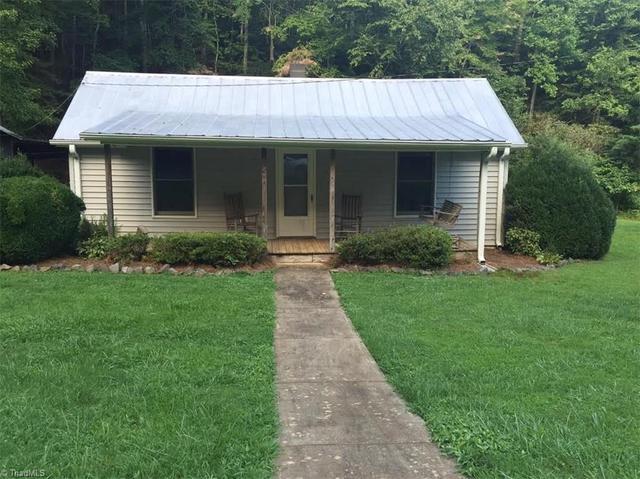 842 Sandy Creek Ln, Stuart, VA 24171