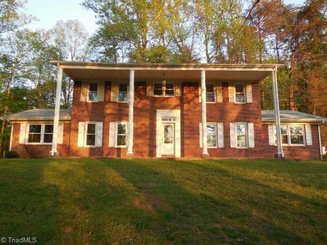894 J B Dalton Rd, Ridgeway, VA 24148
