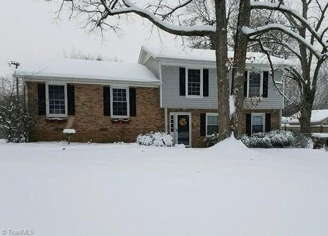 3015 Robin Hood Dr, Greensboro, NC 27408