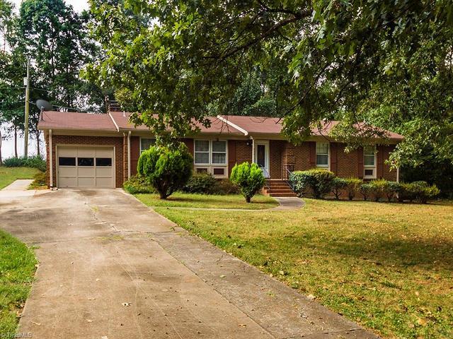 4004 Hickory Tree LnGreensboro, NC 27405