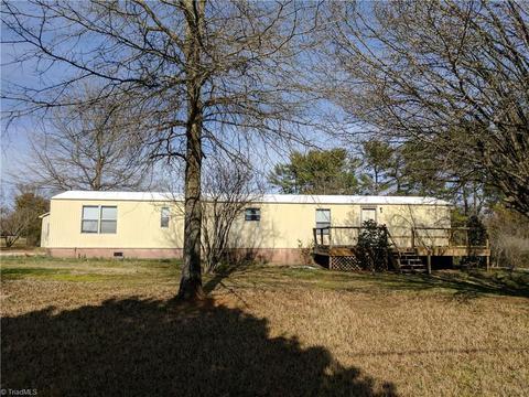 268 Calloway Rd, King, NC 27021