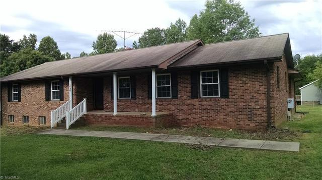 1636 Pecan Rd, Reidsville, NC 27320