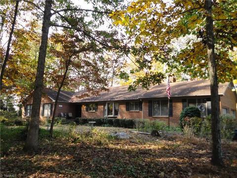 3707 Cleggsmith Rd, Greensboro, NC 27406