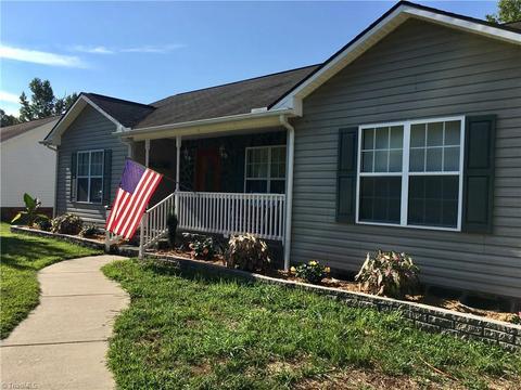 325 Jarrett Rd, Thomasville, NC 27360
