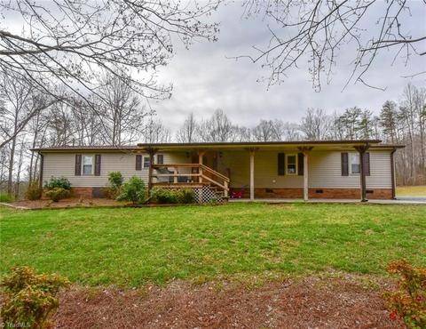 Remarkable 2200 Bethany Rd Madison Nc 27025 Home Interior And Landscaping Ologienasavecom