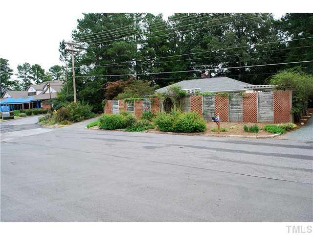 1 Bypass Ln, Chapel Hill, NC