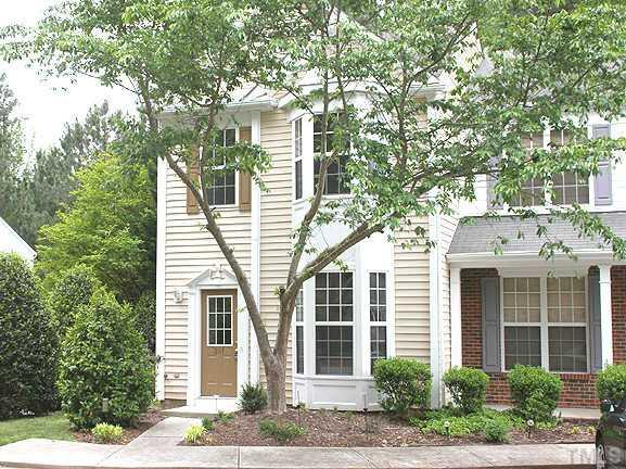 201 Orchard Park Dr, Cary, NC