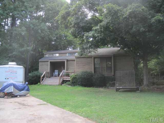 6305 Oak Brook Cir, Raleigh, NC