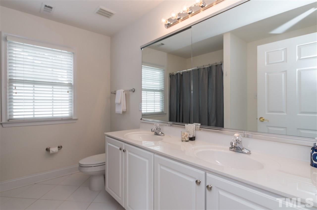 8932 Winged Thistle Ct, Raleigh NC 27617