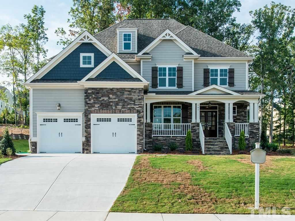 901 Hollymont Dr, Holly Springs, NC