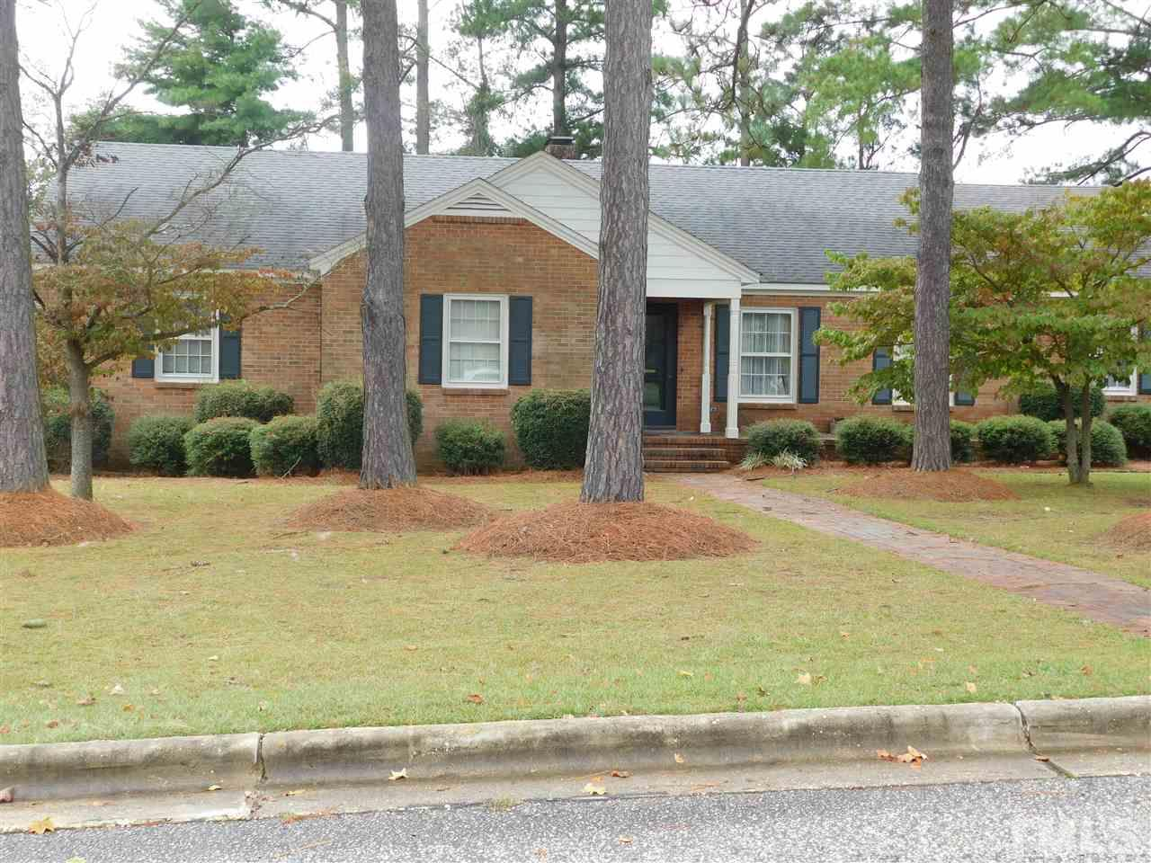 302 S Pine St, Benson, NC