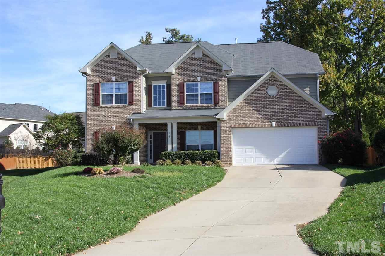 104 Holly Glen Ct, Holly Springs, NC