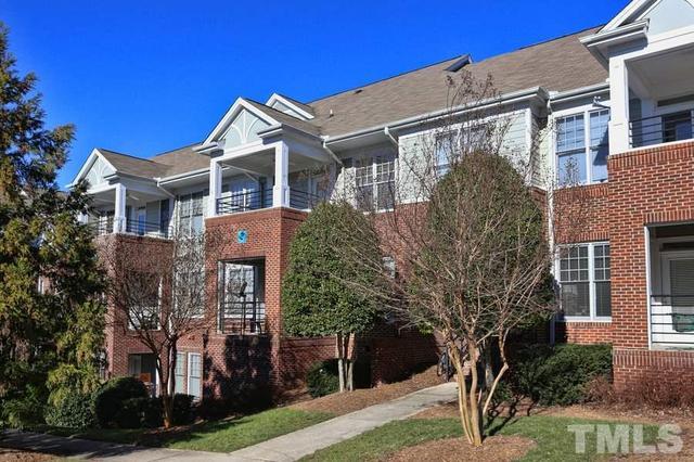 701 Copperline Dr #APT 305, Chapel Hill NC 27516