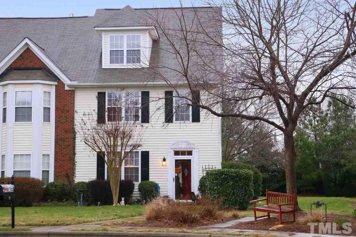 2647 Garden Knoll Ln, Raleigh, NC