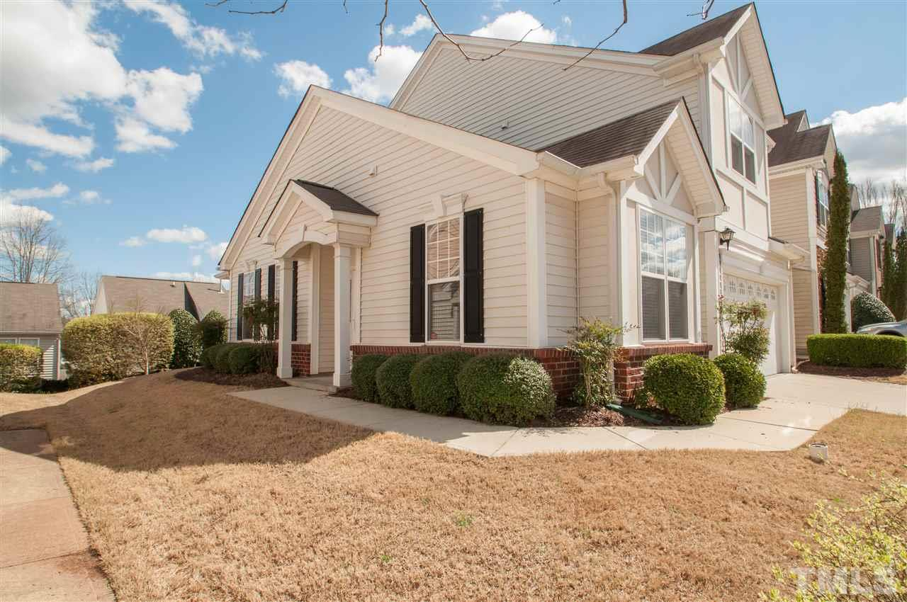 8306 Chimneycap Dr, Raleigh, NC