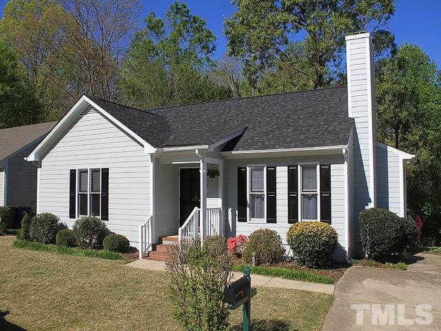 1517 Long Cove Ct, Raleigh NC 27604