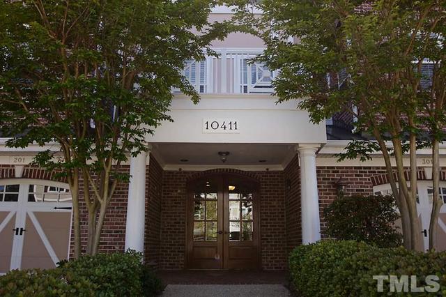 10411 Rosegate Ct #APT 104, Raleigh NC 27604