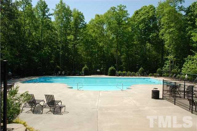 1093 Tacketts Pond Dr, Raleigh NC 27614